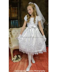 Short Sleeve First Communion Dress with Daisy Embroidery